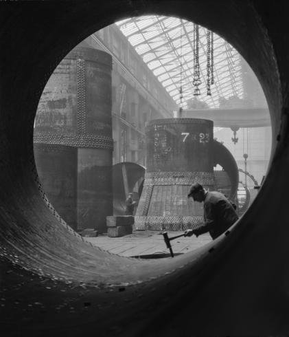 03_Rotary_Kilns_Under_Construction_in_the_Boiler_Shop_-_Vickers_Armstrong_Steel_Foundry_-_Tyneside_590-490